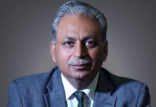 Tech Mahindra, CEO, CP Gurnani pays down 33% in the last fiscal