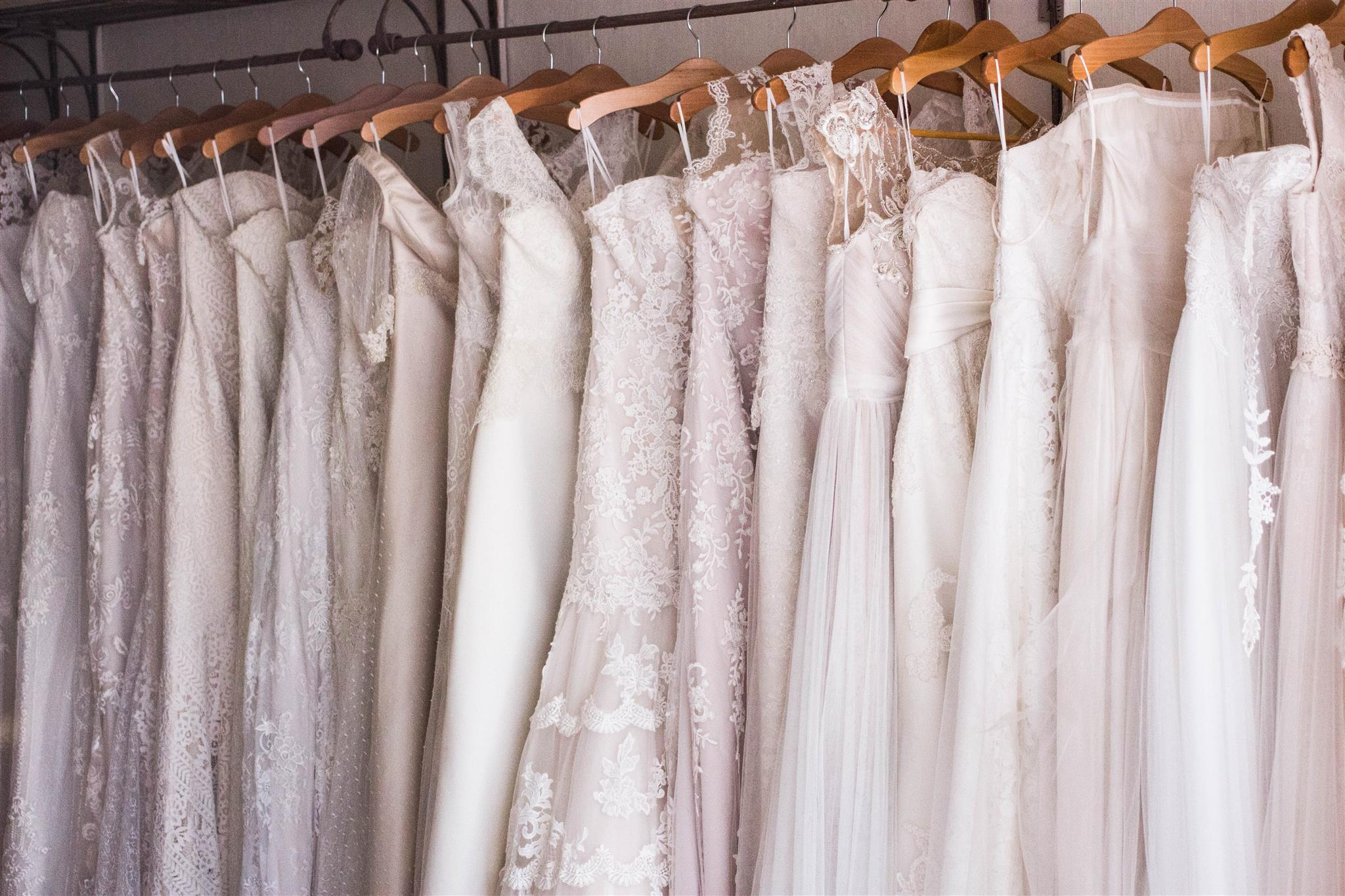 How to DIY Your Wedding Dress: Some Tips from Professionals