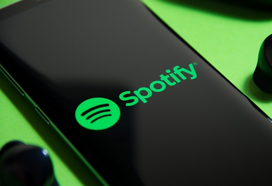 Spotify buys startup Podz to boost podcast experience